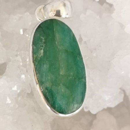 Emerald Healing Crystal Pendant in Silver