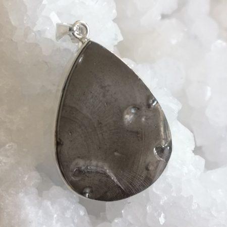 High Quality Shungite Healing Crystal pendant